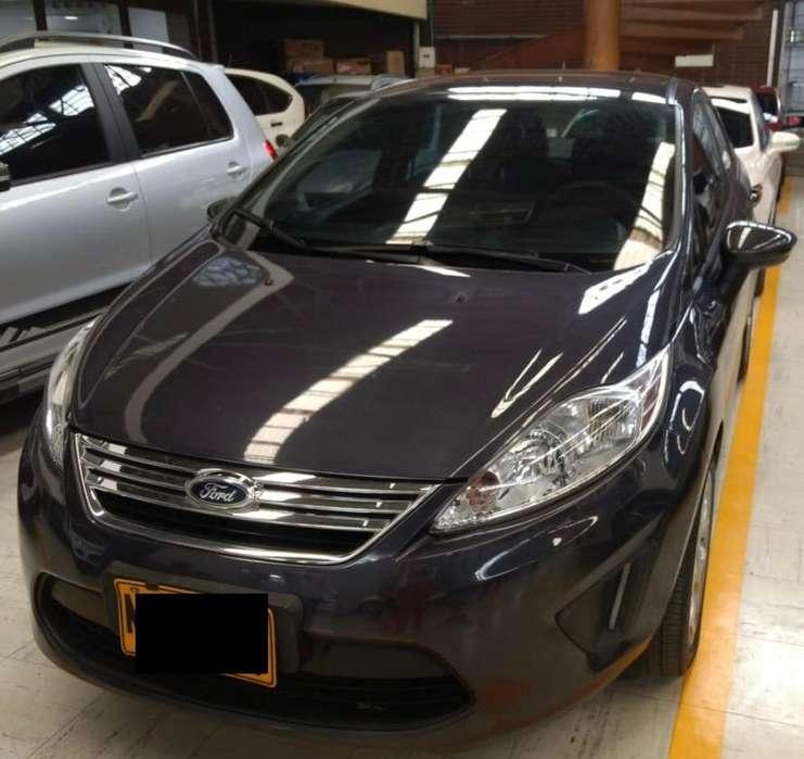 Ford Fiesta  2013 - 54000 km