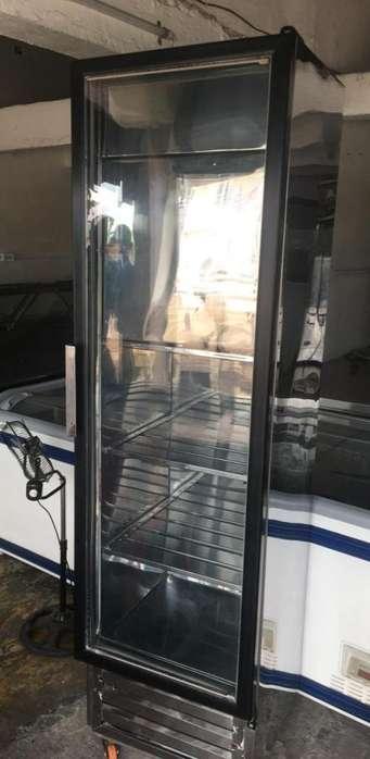 vertical refrigeradora con congelador arriba