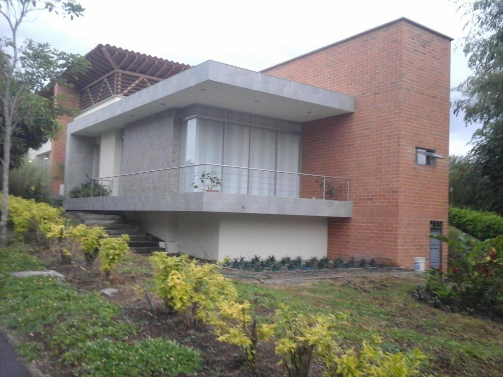 VENDO CASA CAMPESTRE EN CERRITOS