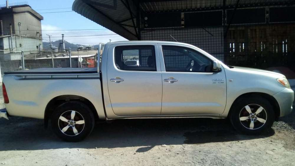 Toyota Hilux 2009 - 175000 km