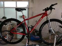 Servicio de reparación y mantenimiento de bicicletas.