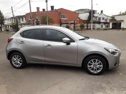 Mazda 2 Touring Hb Mt 2016