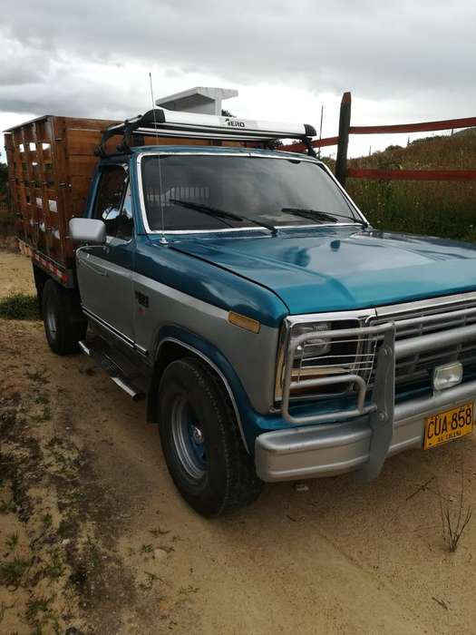 <strong>ford</strong> F-150 1982 - 87000 km
