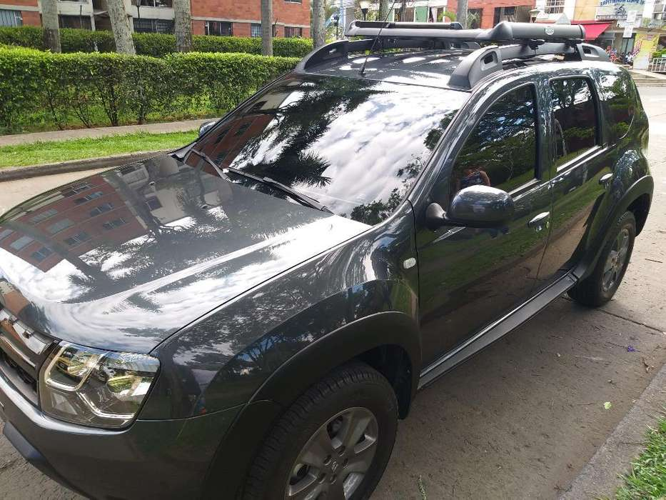 Renault Duster 2019 - 6025 km