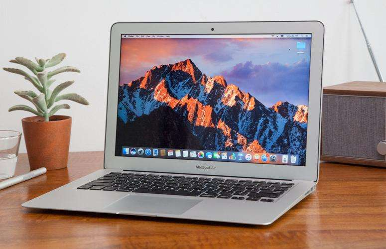 Apple Macbook Air 13.3 2017 128gb