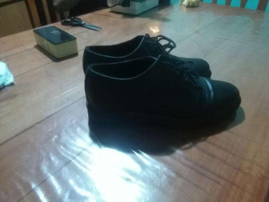 Zapato Cuero Talle 42, 900