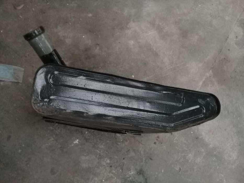 Tanque de combustible Original <strong>jeep</strong> ika con tapa.