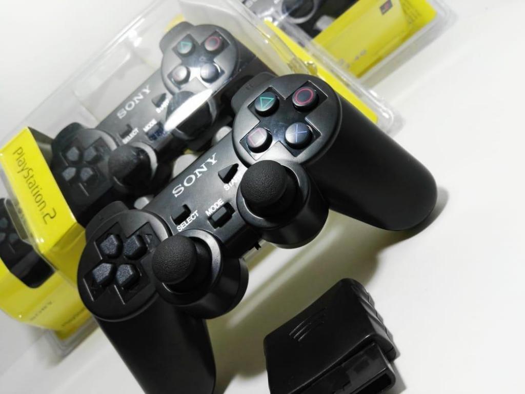 Control PlayStation 2 inalámbrico nuevo.