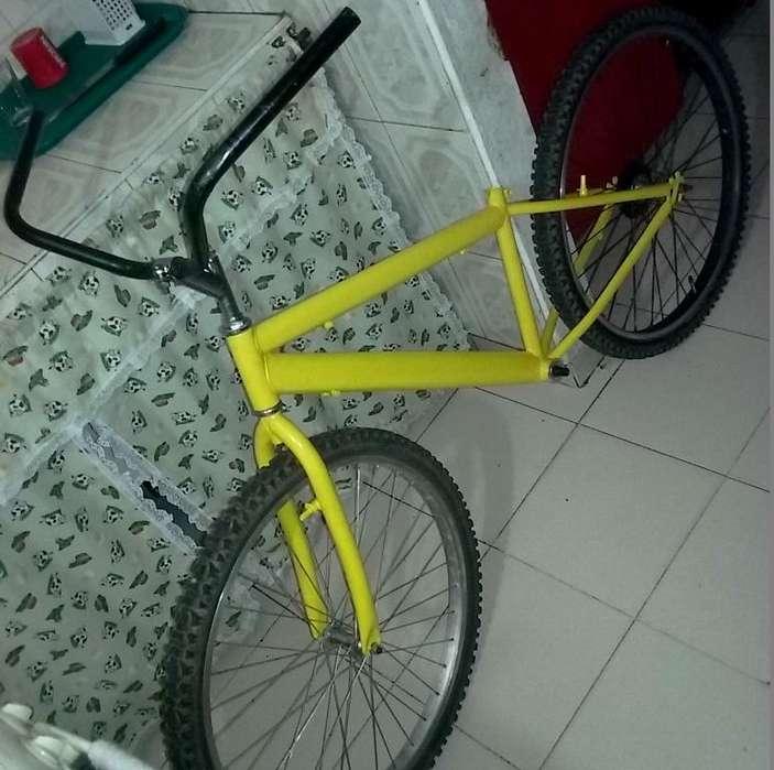 Bicicleta todoterreno de montaña Rin 26 de 18 velocidades Recién pintada al horno.