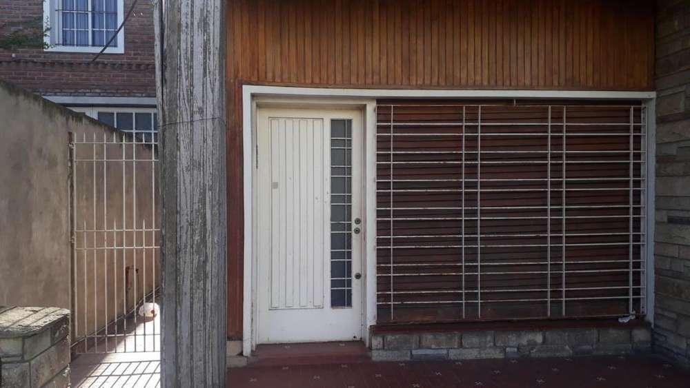 Asconape 100 - 8.000 - Tipo casa PH Alquiler