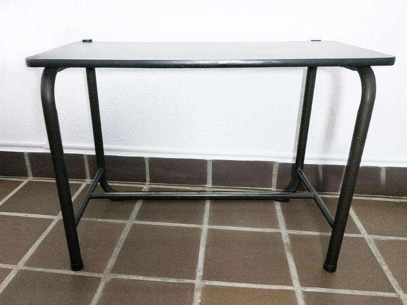 <strong>escritorio</strong> de tubo color wengue usado en venta en cali