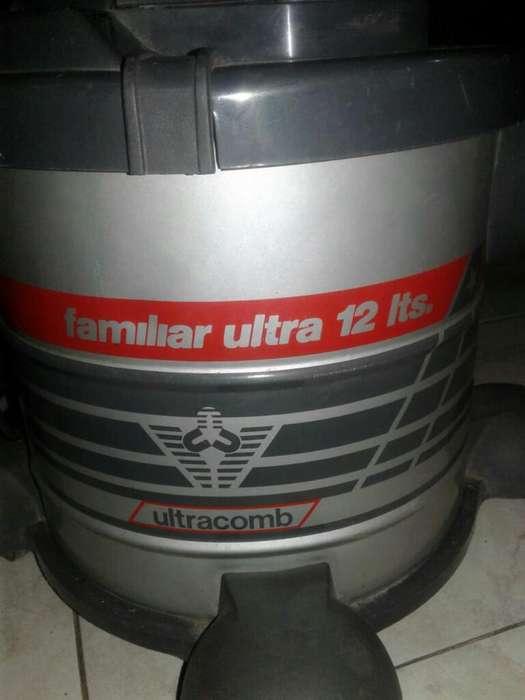 Aspiradora Ultracomb de 12 Lts