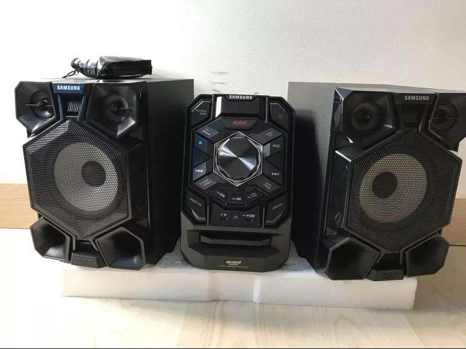 Vendo Samsung Giga Sound