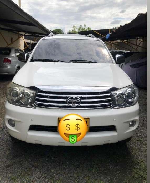 Toyota Fortuner 2011 - 109000 km