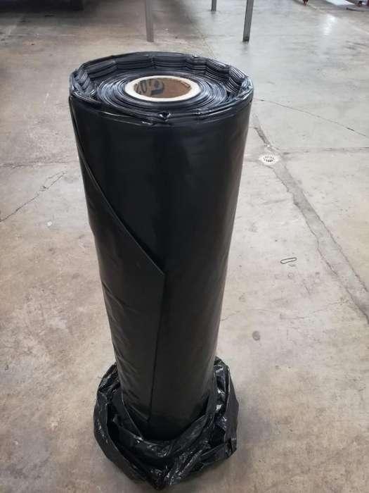 Rollos de Plástico Negro, Cal 4.0