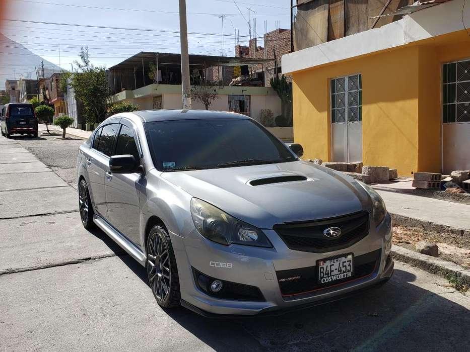 Subaru Legacy 2010 - 83500 km