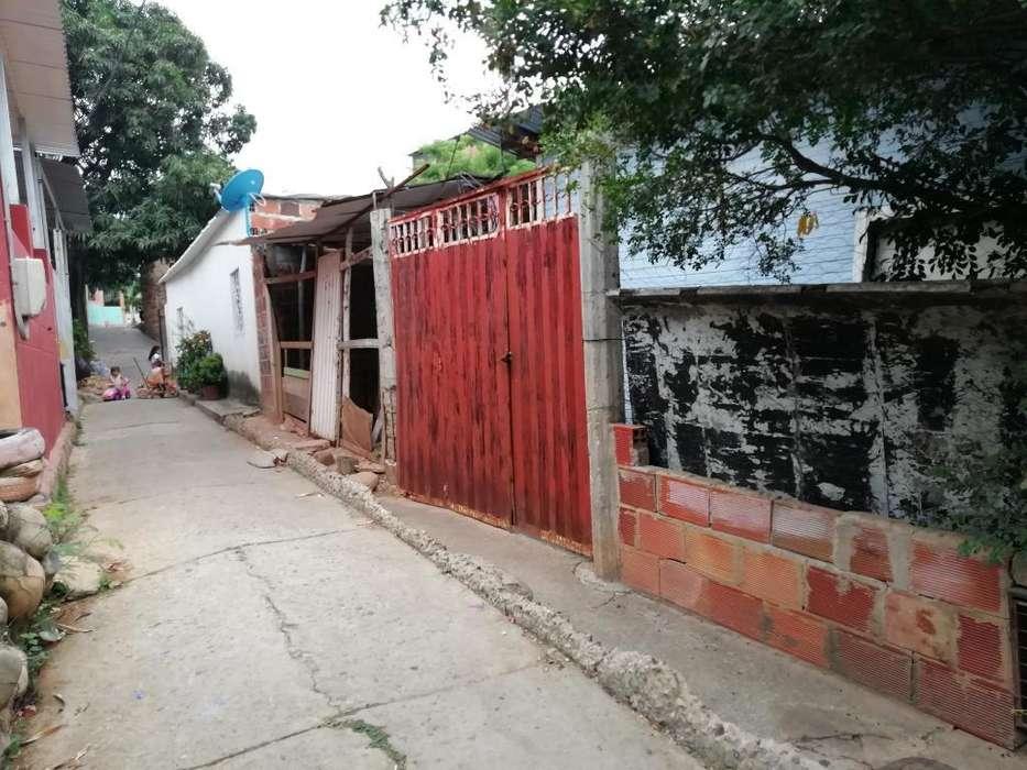 Vendo Casa Lote en El 7 D Agosto