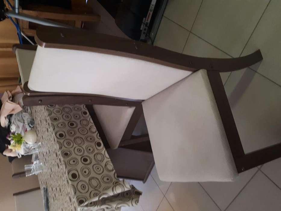 Mesa y seis <strong>silla</strong>s de pana