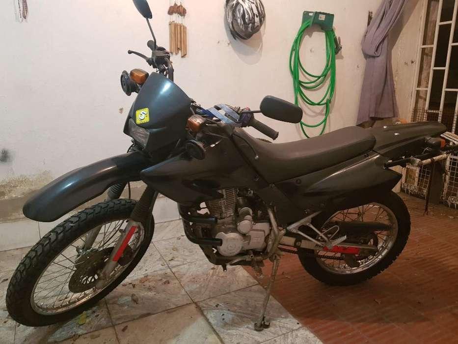 Vendo Motomel Xplora 250cc.con 6000 Kmts