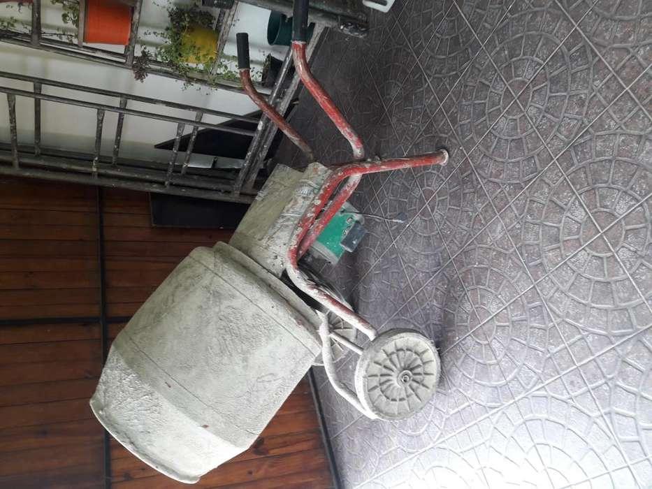 MEZCLADORA USADA 130 litros -Motor 1 HP -potenciada