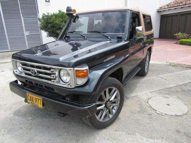 Toyota Land Cruiser 1993 - 180000 km