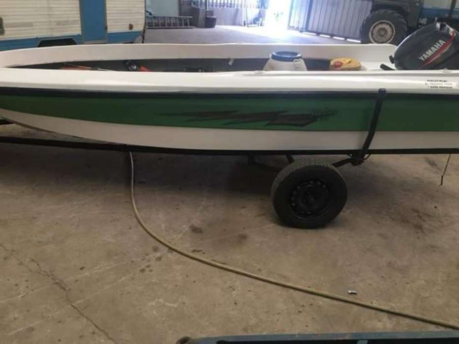 Vendo Fishing 430 con Yamaha 25