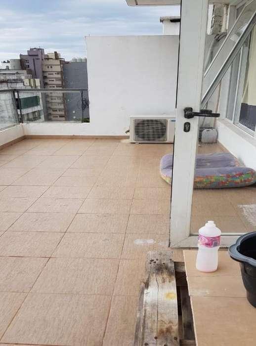 AMPLIO MONOAMBIENTE DIVISIBLE. ZONA RIO. BALCON TERRAZA. 65 mil. Mas info 341-3140050