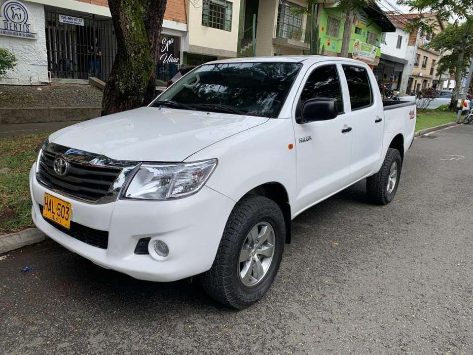 <strong>toyota</strong> Hilux 2014 - 140000 km