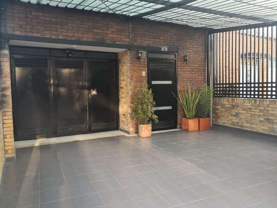 casa moderna amoblado, excelente ubicación