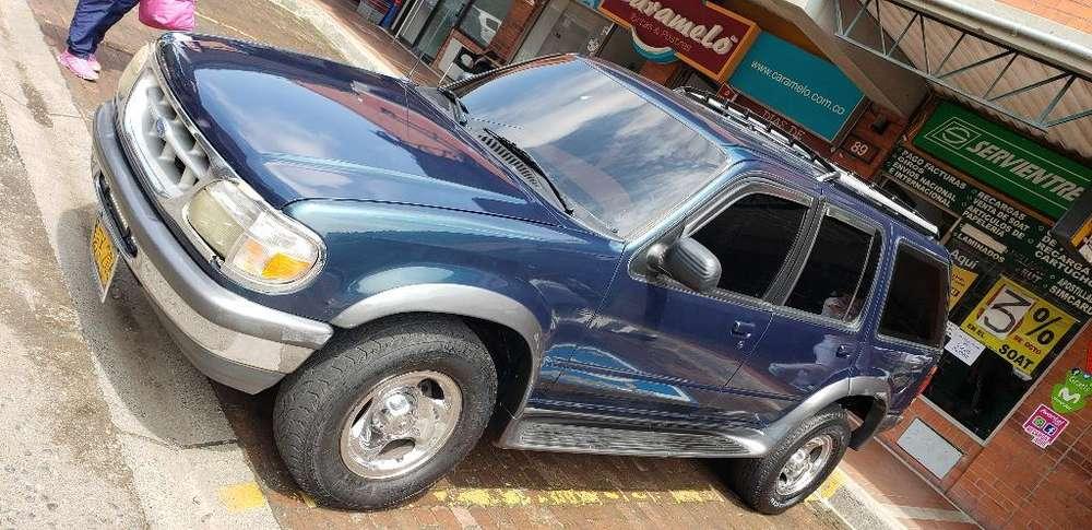Ford Explorer 1996 - 185000 km