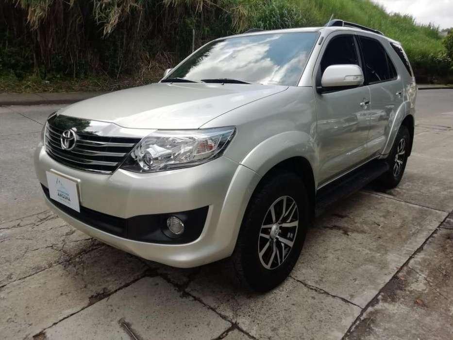 Toyota Fortuner 2012 - 105000 km