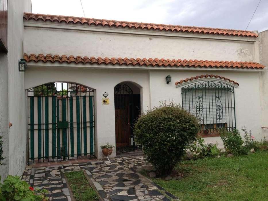 Casa en Venta Don Bosco Quilmes próxima a estación de tren