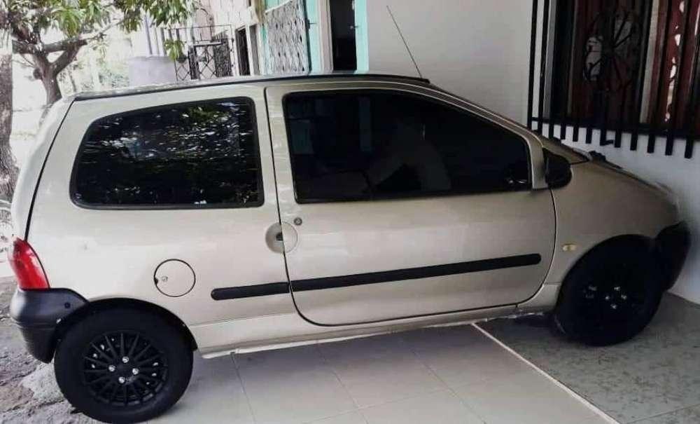 Renault Twingo 2002 - 200 km