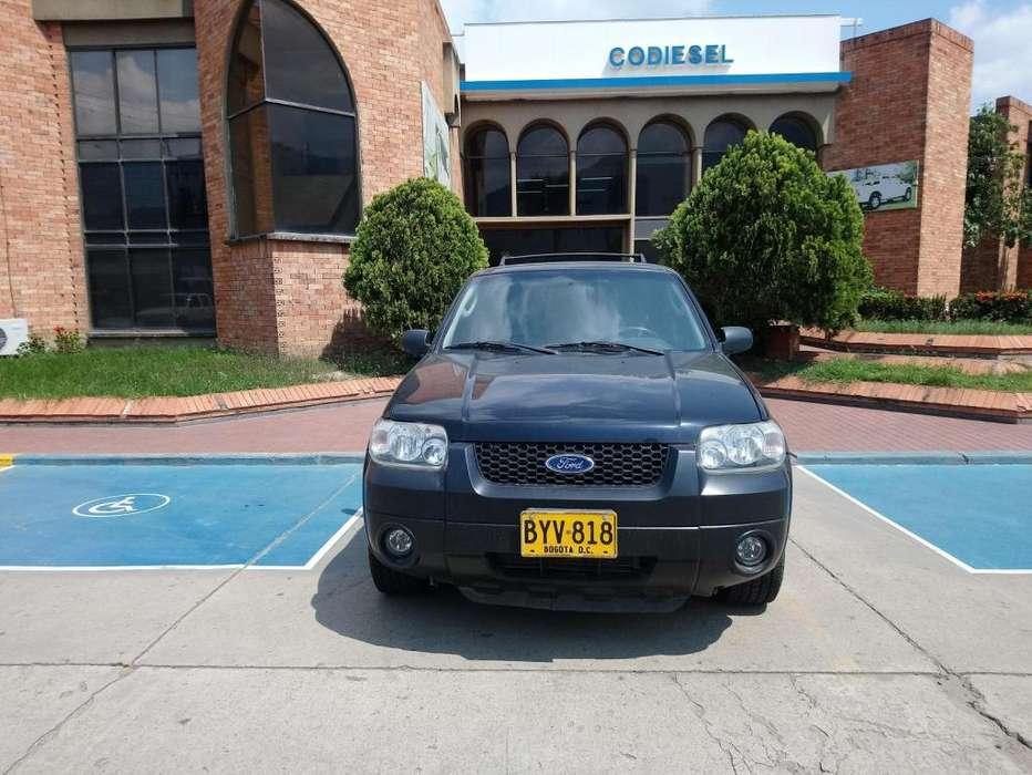 Ford Escape 2007 - 123946 km