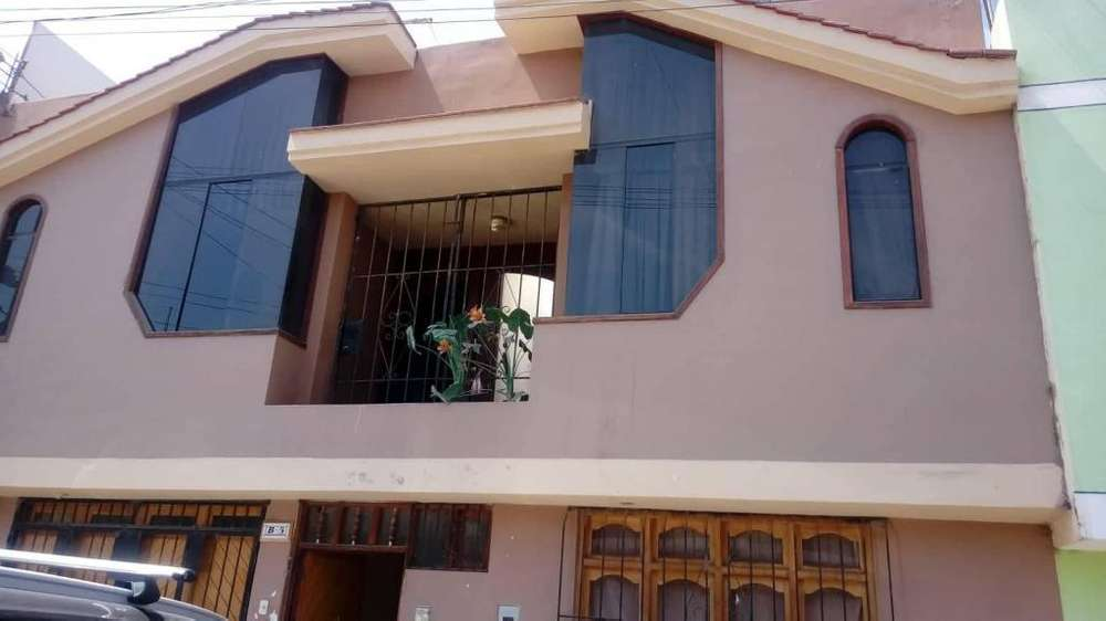 VENDO CASA 2 pisos de 200 mt2-Tacna Alto Alianza