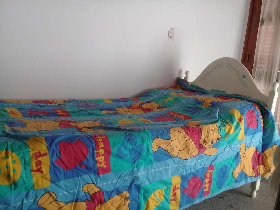 Cubrecamas Winnie Pooh reversible 1 plaza 300