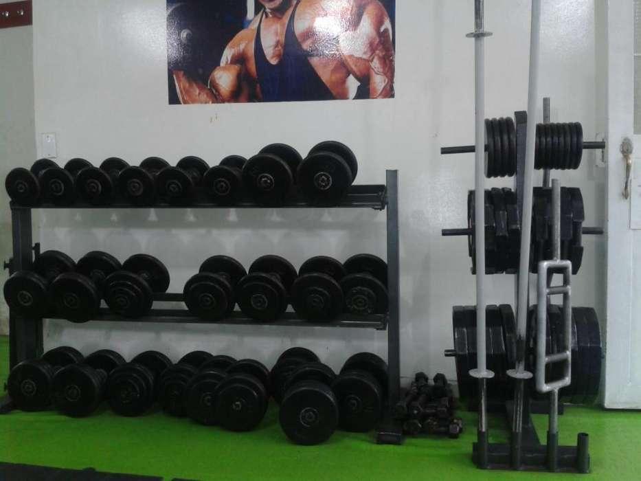 GANGAZO!!!!.Gran remate de maquinaria para Gym