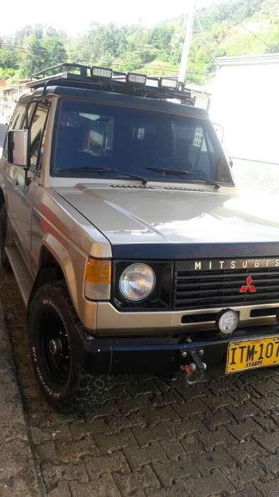 Mitsubishi Montero 1992 - 466666 km