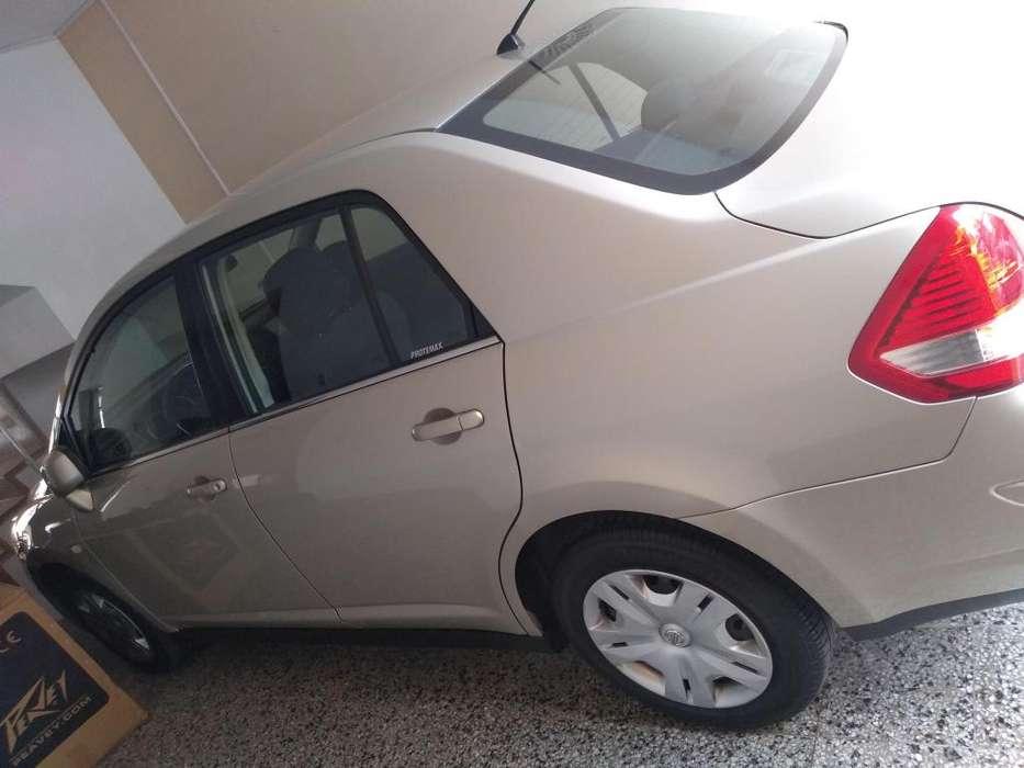 Nissan Tiida 2009 - 60000 km