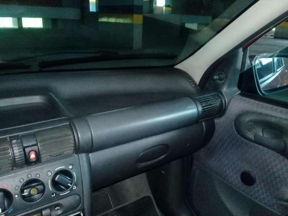 Chevrolet Corsa 4 Ptas. 1997 - 250000 km