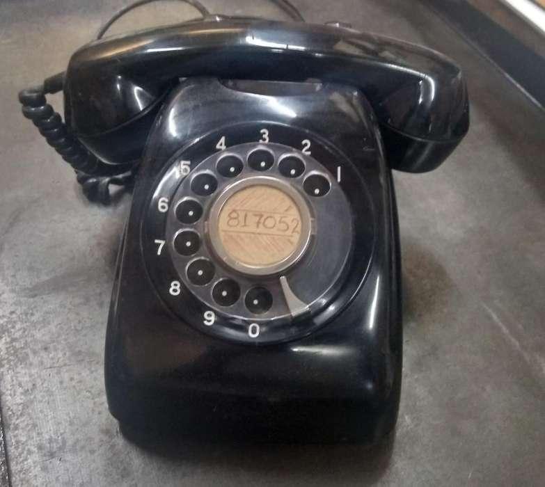 Hermoso Teléfono de Baquelita