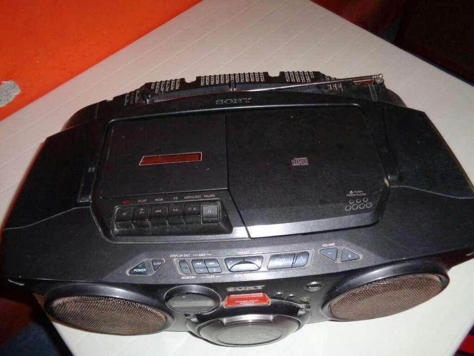 Vendo Radio Grabadora Sony 60