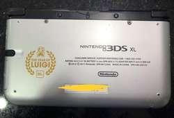 Nintendo 3Ds XL 30 Años Luigi