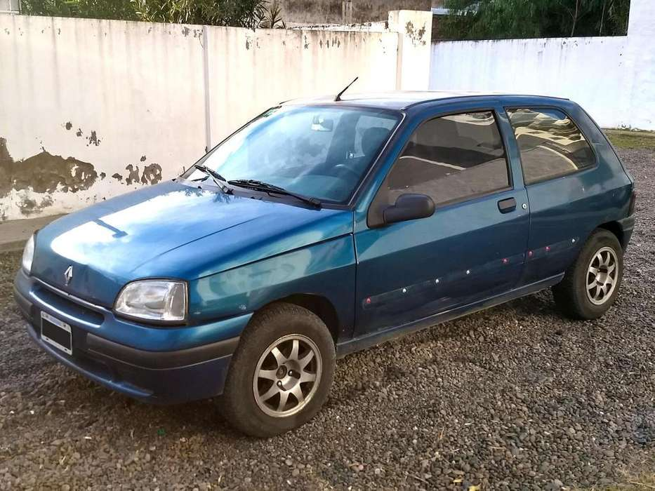 <strong>renault</strong> Clio  2000 - 240000 km
