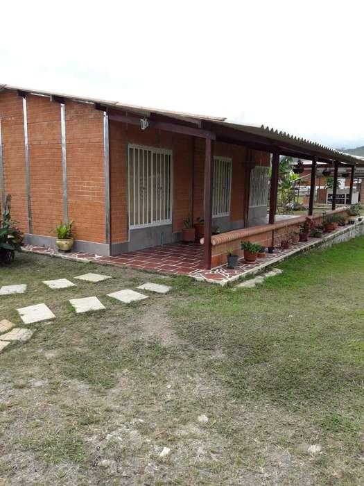 CASA CAMPESTRE EN QUEREMAL-DAGUA