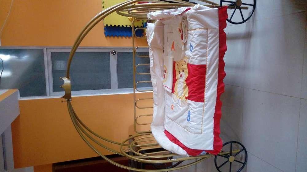 Cuna Bebe tipo Galesa con ruedas incluye colchon Paraiso Baby Dream
