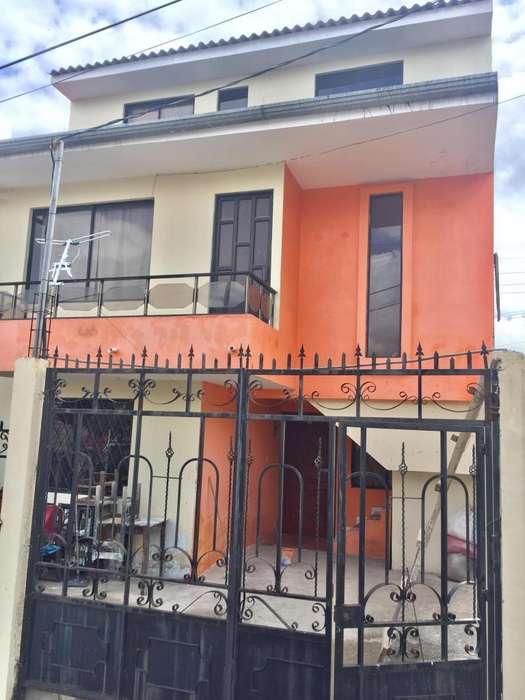 Dueño vende Casa de dos departamentos