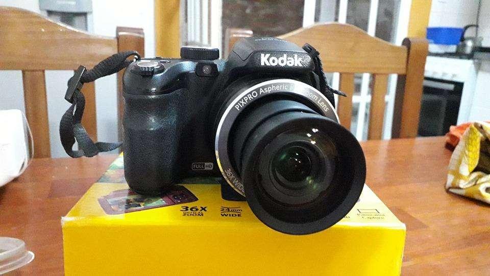 Vendo cámara Kodak AZ362