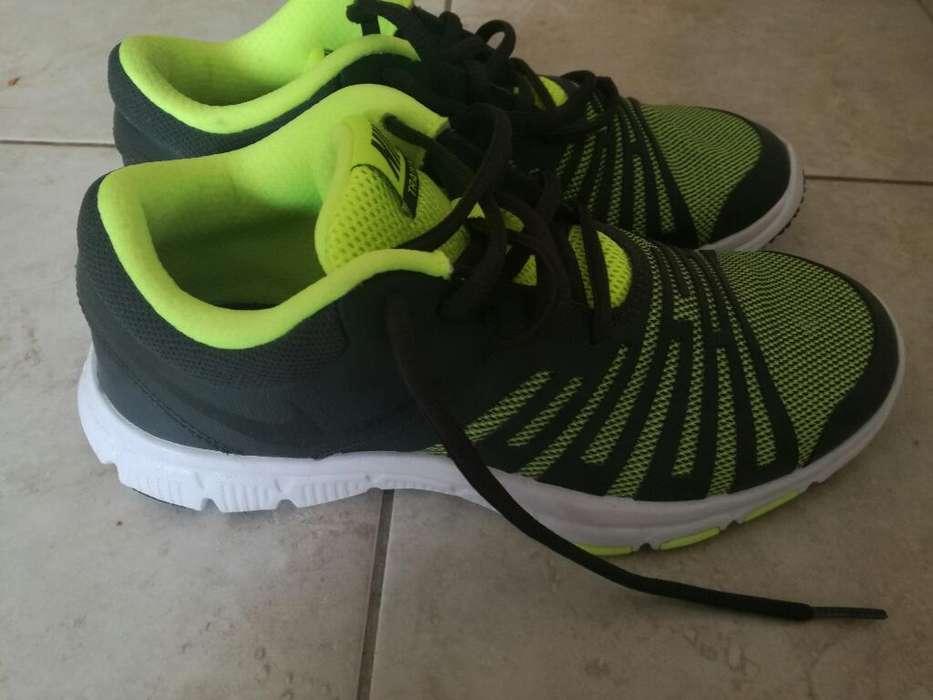 f6447fc906 Nikes zapatillas nuevas: Ropa y Calzado en Bahía Blanca | OLX