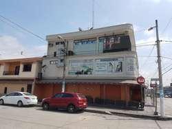 Venta de Edificio Comercial en Av Guillermo Pareja Rolando, Contiguo a La Garzota
